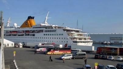 """Speciale """"In diretta dalla nave"""". Costa Voyager e la crociera di posizionamento in Mar Rosso."""