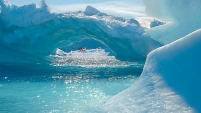 Paesaggi spettacolari, natura selvaggia e incontaminata: le spedizioni in Alaska di Hapag-Lloyd Cruises