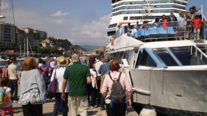 Oltre trecento savonesi hanno visitato in battello il Porto di Savona nella giornata europea dedicata al mare