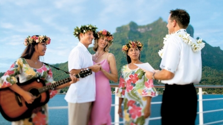 Paul Gauguin Cruises presenta il catalogo anteprima crociere 2013