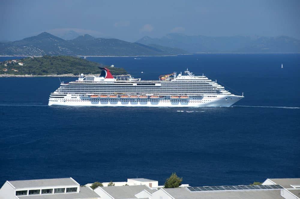 Carnival Breeze a Dubrovnik - Clicca per ingrandire