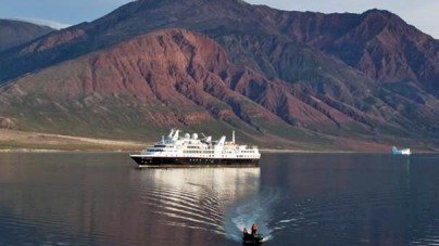 Foto-notizia: Silver Explorer nel Scoresby Sound Fjord, in Groenlandia