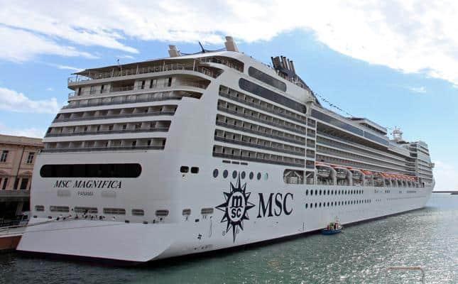 Video notizia msc magnifica arriva al porto di amburgo for Msc magnifica foto