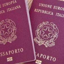 Passaporto a domicilio, accordo Poste - Polizia