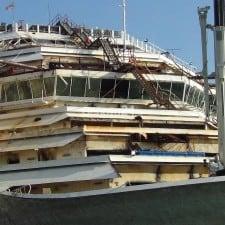 Costa Concordia, al via smantellamento e recupero del relitto: l'operazione durerà 22 mesi