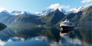 Hurtigruten introduce droni sottomarini a bordo delle proprie navi