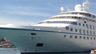 Capri: irregolarità sulla nave da crociera Star Breeze con 200 persone a bordo, scatta lo stop da parte della Capitaneria