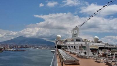 A Napoli crocieristi all'Opera dal 3 aprile