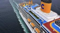 Costa Luminosa soccorre nave in fiamme nel Mar Egeo salvando 11 persone