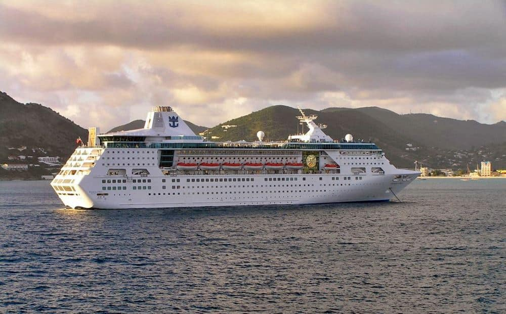 Infos - les Ports, et Infrastuctures maritimes - Page 4 Empress-of-the-Seas-Royal-Caribbean-International