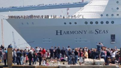 Harmony of the Seas saluta i cantieri francesi STX