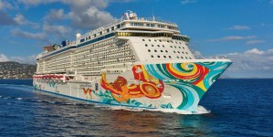 Norwegian Cruise Line stravince ai Caribbean & North America World Travel Awards 2016