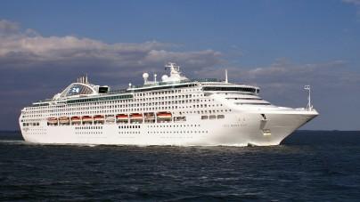 Allarme attacco pirati a bordo delle Sea Princess: il comandante ordina 10 giorni di black out