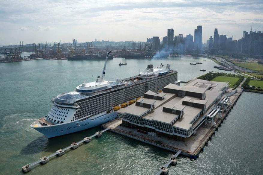 Royal Caribbean comincia il 2018 con il milionesimo passeggero imbarcato a Singapore