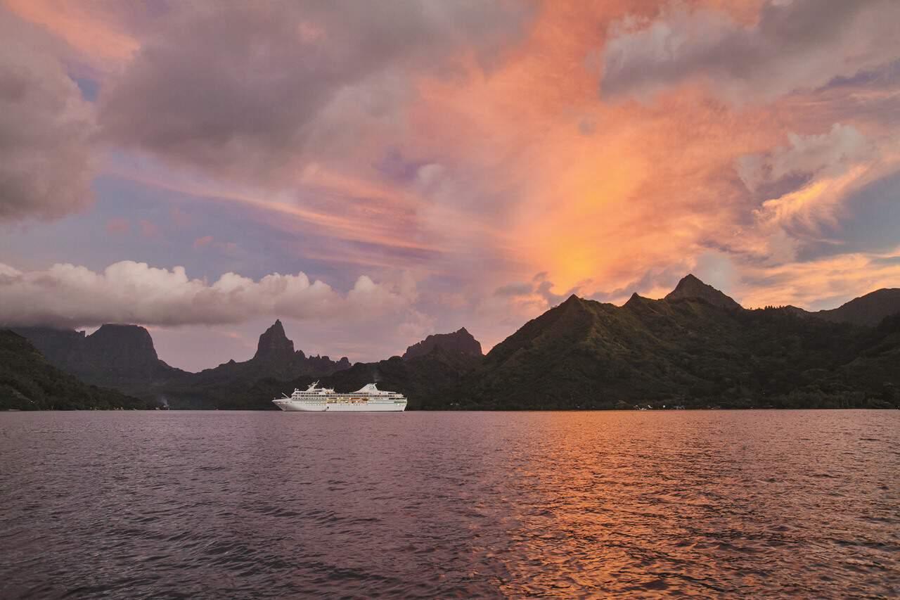 Paul Gauguin Cruises (2)