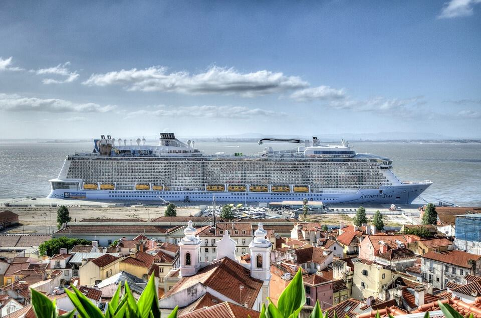 Infos - les Ports, et Infrastuctures maritimes - Page 4 Anthem-of-the-Seas-Royal-Caribbean-International-Lisbona