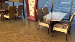 VIDEO: Panico sulla nave da crociera, si inclina su un fianco
