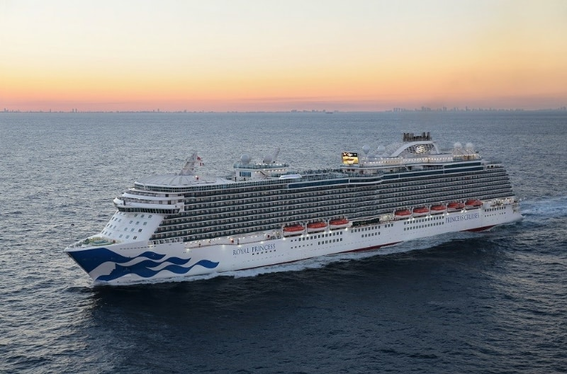 Royal Princess arrives in Ft. Lauderdale with the new brand mark hull design (PRNewsFoto/Princess Cruises)