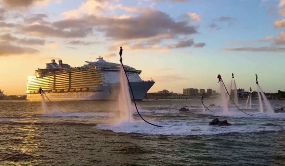Grande festa a Port Canaveral per la prima partenza di Harmony of the Seas dal suo nuovo home port