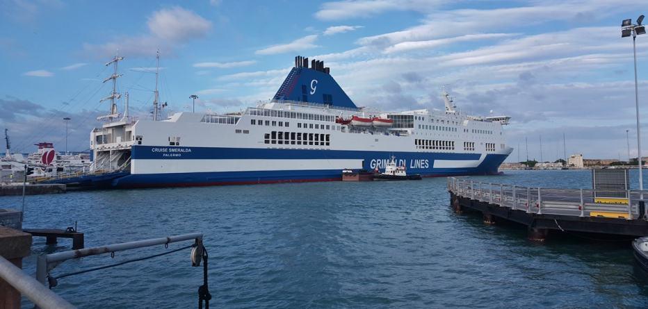 Grimaldi Lines e Blu Navy: sconti sui biglietti dei traghetti per Sardegna, Corsica e Isola d'Elba