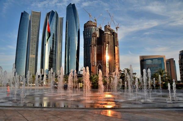 On en parle ,News, Faits divers, Breves, Interludes.... de la mer et de la croisiere - Page 8 Abu-Dhabi-2