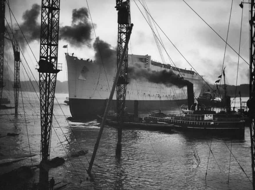 On en parle ,News, Faits divers, Breves, Interludes.... de la mer et de la croisiere - Page 8 Queen-Mary-launch-Cunard-877x654