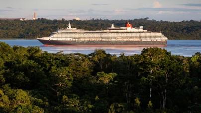Queen Victoria, la più grande nave di sempre a raggiungere l'Amazzonia. Foto notizia