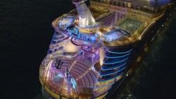 VIDEO: l'Aqua Theatre a bordo di Harmony of the Seas, un teatro all'aperto sul mare per spettacoli unici e suggestivi