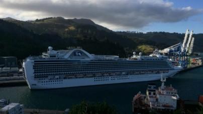 Nuova Zelanda, esplosione a bordo di Emerald Princess. Deceduto un membro dell'equipaggio