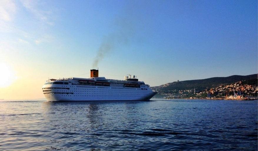 Costa Crociere: a Bari arriva la neoClassica. Da maggio il nuovo itinerario estivo verso le isole greche