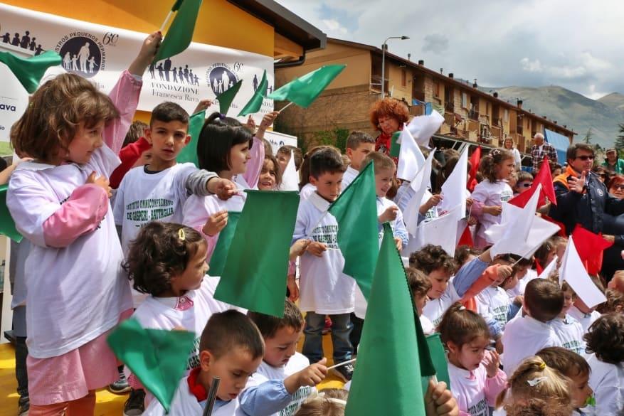 Terremoto in Centro Italia: la Fondazione Francesca Rava – N.P.H. Italia Onlus ha inaugurato la nuova scuola materna di Norcia alla presenza dei bambini e di tanti donatori. Presente anche Costa Crociere Foundation
