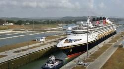 Disney Wonder è la prima nave da crociera ad attraversare il nuovo sistema di chiuse del Canale di Panama