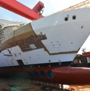 E' tempo di float out per Symphony of the Seas
