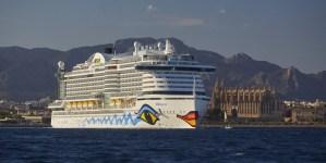 AIDAperla: una delegazione delle Baleari in visita per scoprire le innovative misure ambientali di bordo