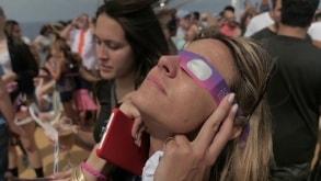 VIDEO: Bonnie Tyler e i DNCE a bordo di Oasis of the Seas per la speciale 'Total Eclipse Cruise'