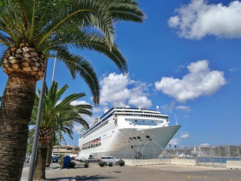 Costa neoRiviera, Costa Crociere, Port Mahon, Minorca