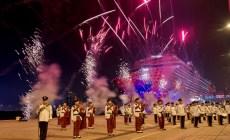 Dream Cruises: battezzata la nuova World Dream. E' la prima nave ad essere celebrata a Hong Kong