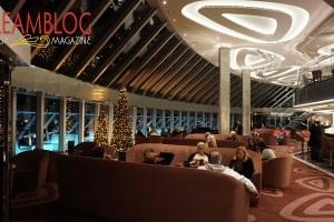 Yacht Club, Top Sail Lounge