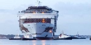 Maltempo in Francia, prove in mare rimandate per Symphony of the Seas. STX riprogramma le ultime fasi per garantire la consegna entro fine marzo