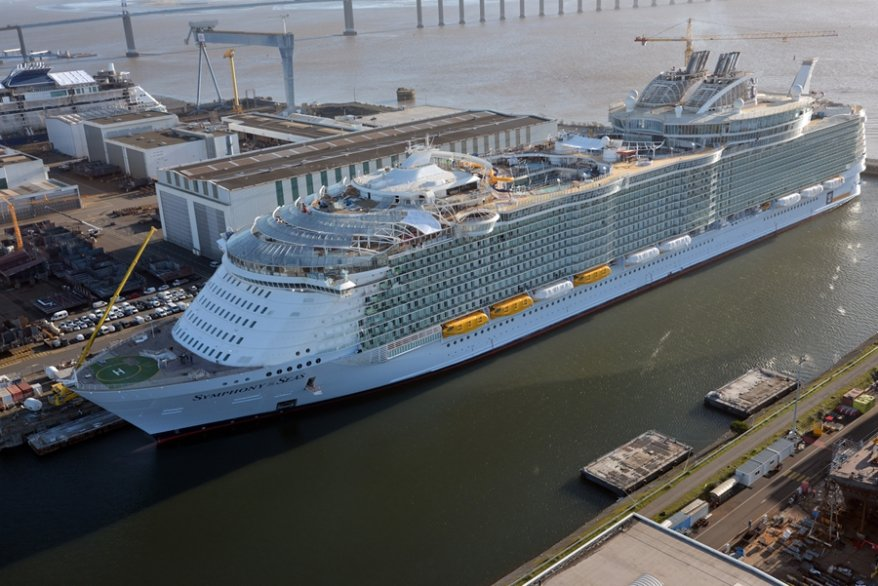 VIDEO, la maestosità di Symphony of the Seas dalla prospettiva di un drone + hyperlapse