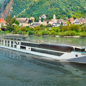 Crystal River Cruises: battesimo ad Amsterdam per Crystal Debussy
