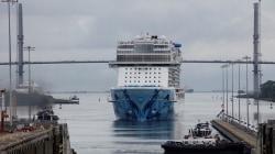 Norwegian Bliss da record: è la più grande nave ad aver mai attraversato il canale di Panama