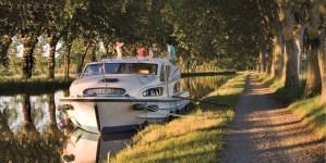Crociere Fluviali: con Le Boat lungo i canali di tutta Europa. Offerte last minute per l'estate in houseboat