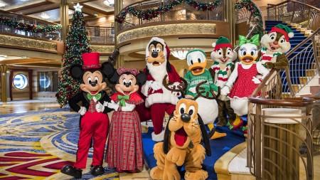 La magia del Natale a bordo di una nave Disney Cruise Line