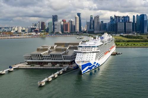 Majestic Princess, Princess Cruises, in Singapore