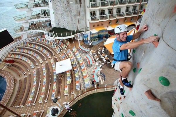 Oasis of the Seas, climbing - Royal Caribbean International