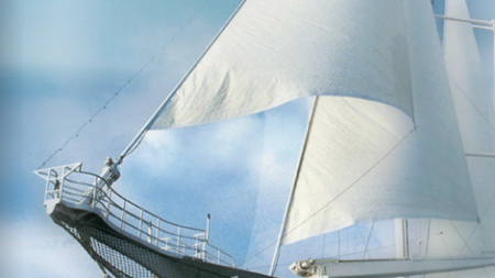 "Windstar Cruises presenta il nuovo catalogo ""2012 Voyage Collection""."