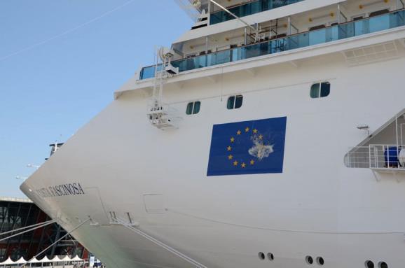 5 maggio 2012 costa fascinosa entra nella flotta c for Piano nave costa fascinosa