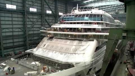 Celebrity Cruises: installato l'ultimo blocco di Celebrity Reflection