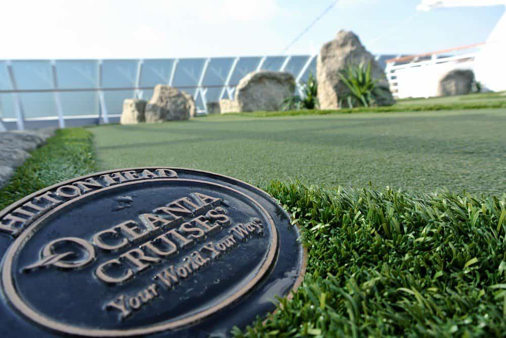 Oceania Riviera, Golf Putting Greens